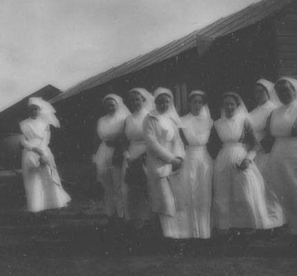 'Mending broken bodies' – Nursing in the First World War