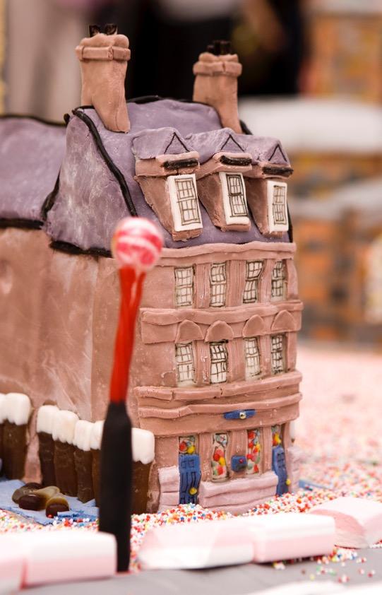 cake building