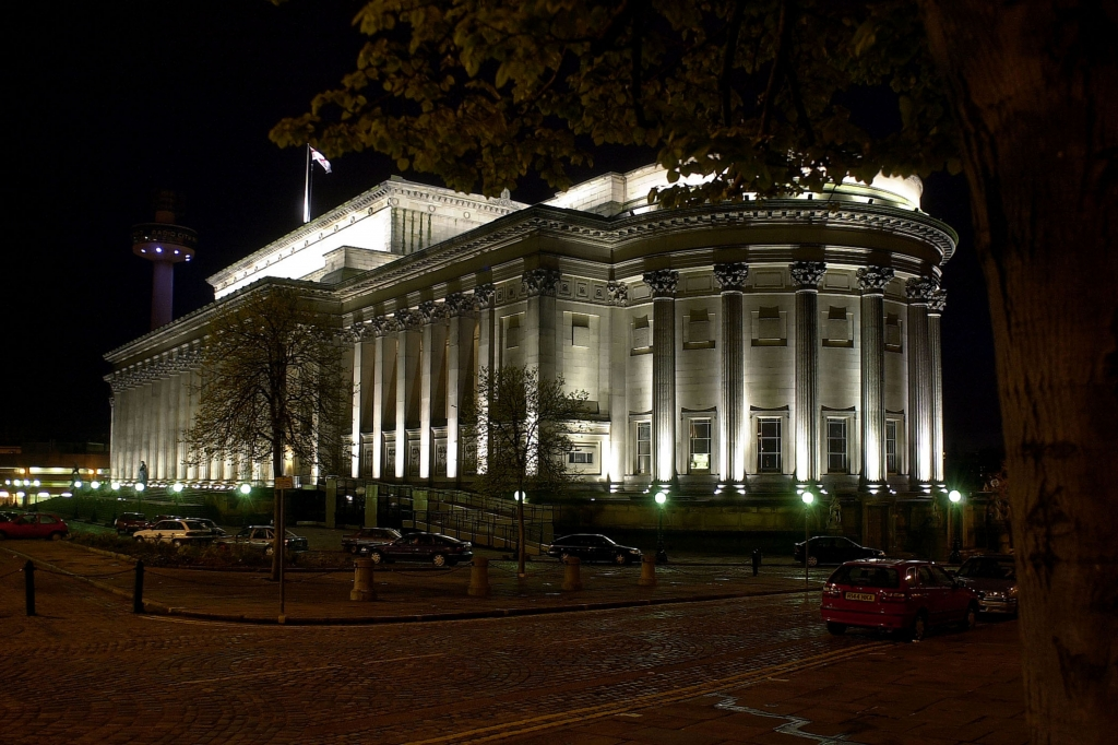 St George's Hall at night