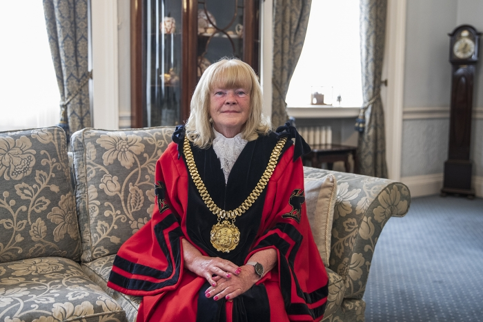 Tennis Centre is backdrop for Lord Mayor's first 'service'